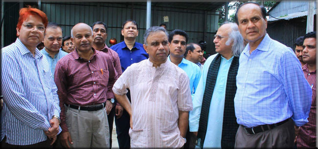 Top-officials-of-the-PMO-and-the-PKSF-inspect-ENRICH-activities-in-Dhamrai