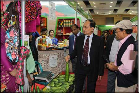 15_Development_Fair_stalls_MD_visit